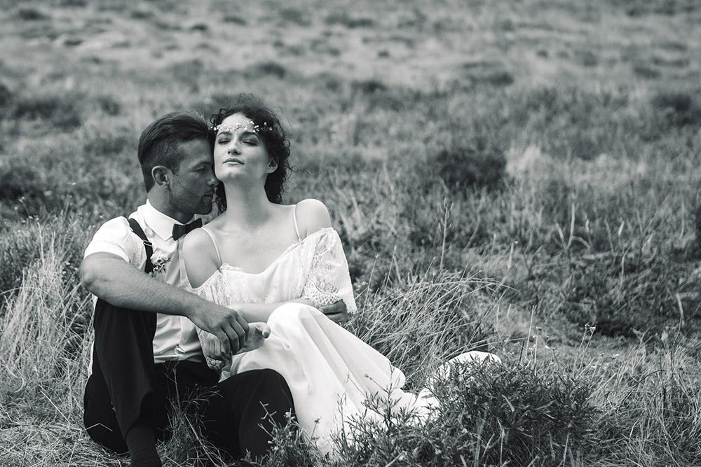 жених и невеста в горах